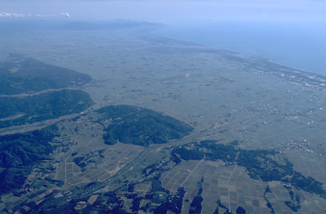 庄内平野東縁断層帯